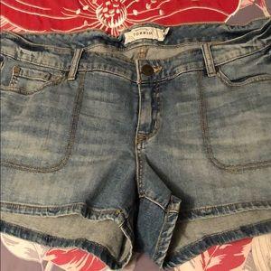 Torrid jeans shorts size 16
